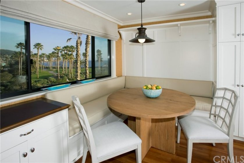 BREAKFAST NOOK OVERLOOKING TREASURE ISLAND PARK AND GOFF ISLAND