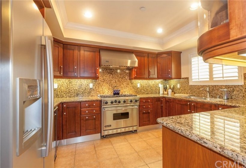 Spacious Kitchen w/ Abundance of Cabinets & Counterspace