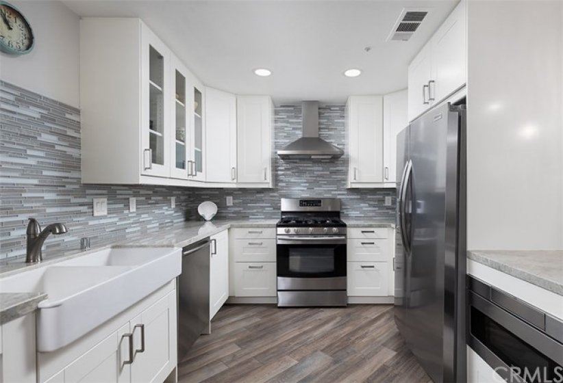 Highly upgraded Kitchen with Double Bowl Farmhouse Kitchen Sink