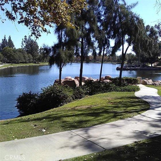 Rnacho Santa Margaritia Lake