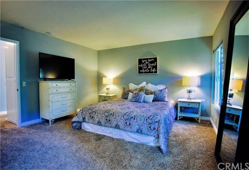 This is a king size bed.  Lots of room!