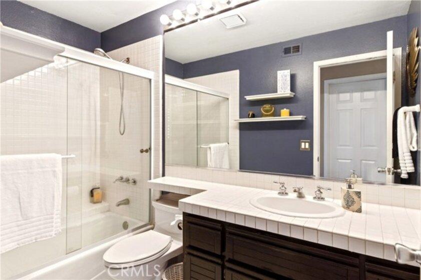 Full downstairs bathroom