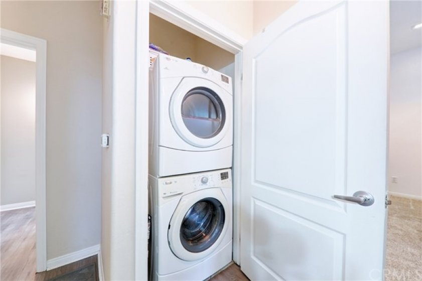 Interior Laundry INCLUDED!