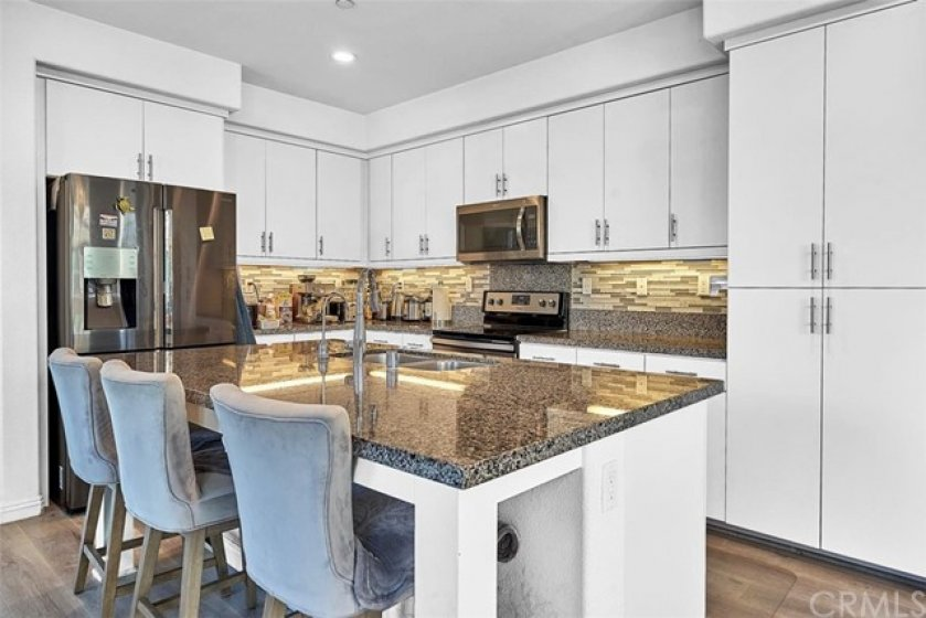 Spacious kitchen and island