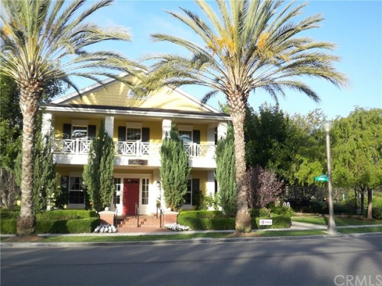 Avendale Village Clubhouse is located in the heart of Ladera Ranch and is proud to feature a great room that can be rented for parties or events. Avendale Clubhouse has a junior Olympic size pool that is heated year-round.