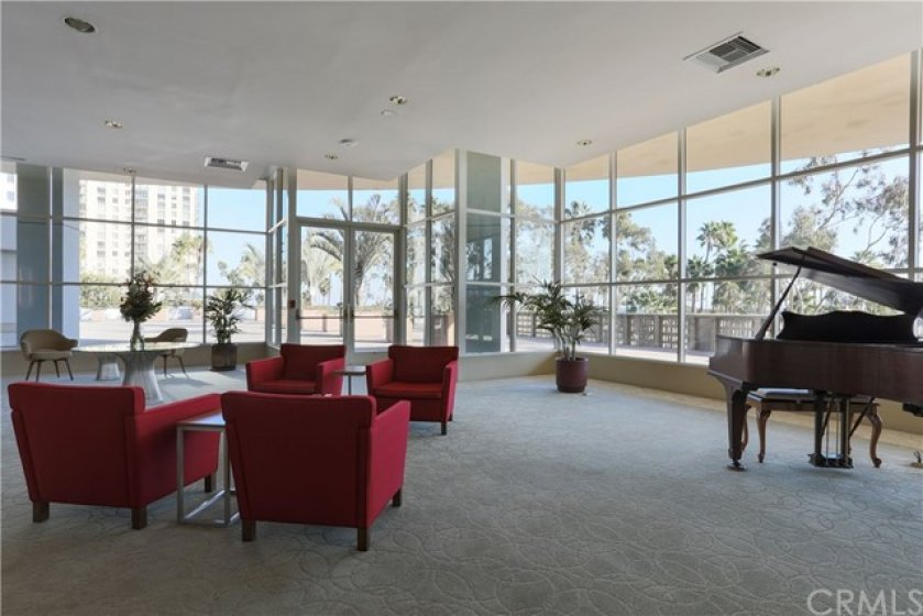 Beautiful lobby with 24/7 Onsite Security in the controlled access building