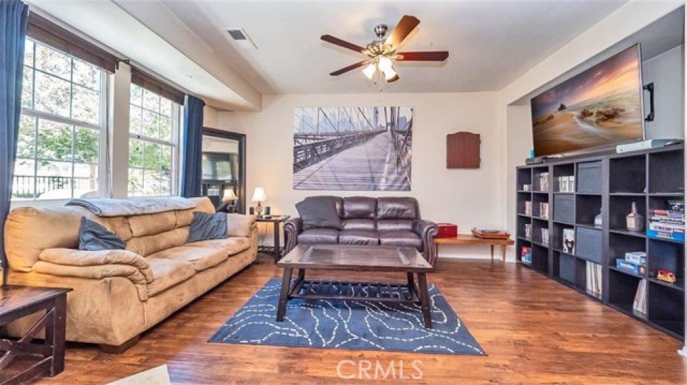 Living room with hardwood laminate flooring