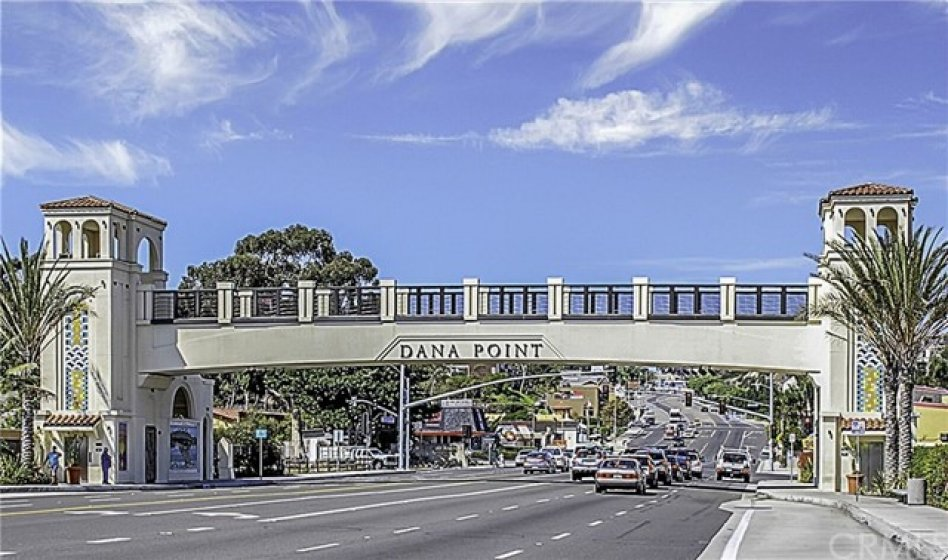 Dana Point area photo, the Dana Point bridge over Pacific Coast Highway