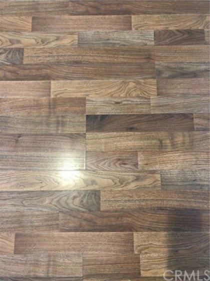 Flooring color