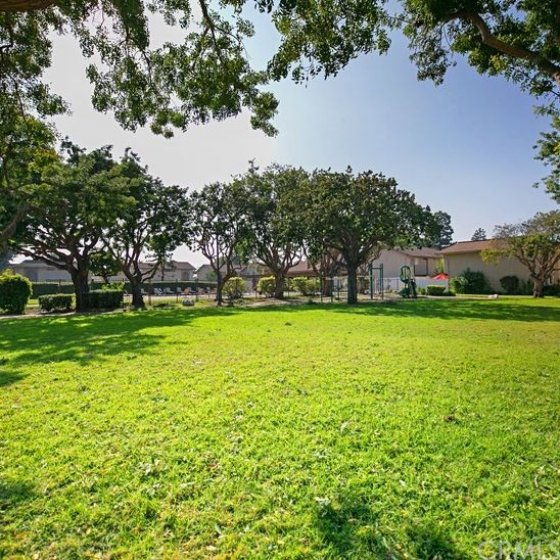 Lovely park also in walking distance to the mail, garage and unit