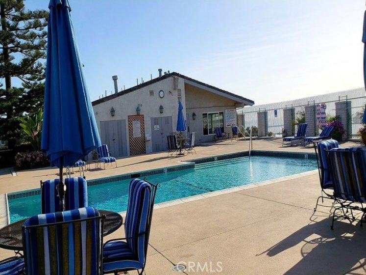 community pool & club room