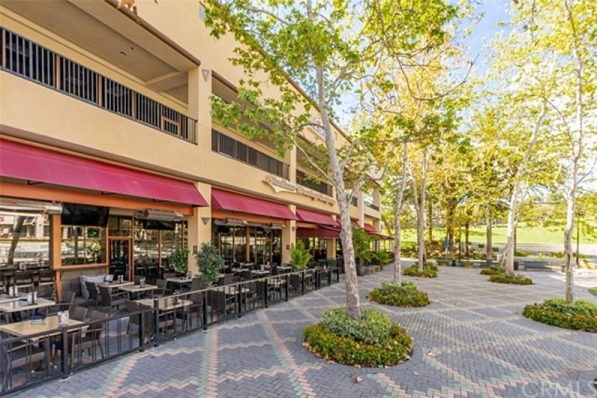 Just steps the the town center and the Aliso Viejo Brewery.  Enjoy outdoor dining and concerts in the park.