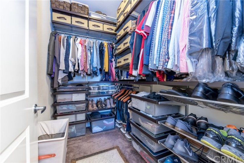 Large Master Bedroom Walk-In Closet