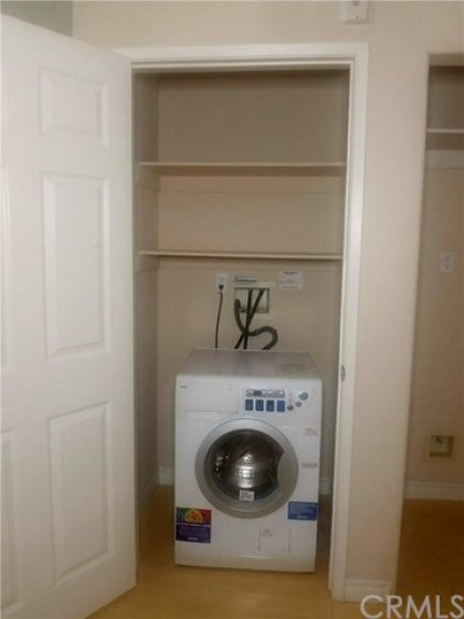 In unit washer/dryer hookup's.