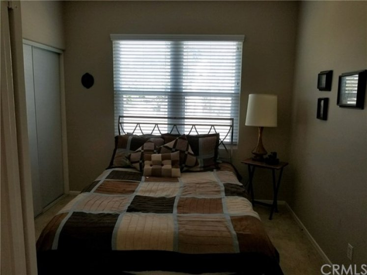 Spare bedroom, great for guests or a home office!