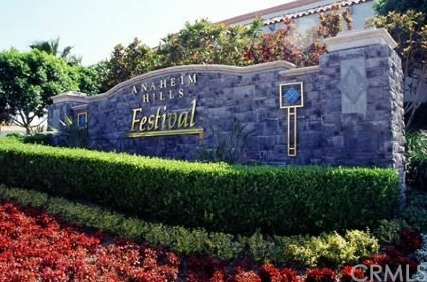 The Anaheim Hills Festival shopping center has great shops, fantastic dining and entertainment too!