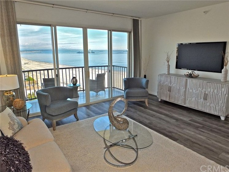 Watch TV or look at the majestic ocean, totally your choice!