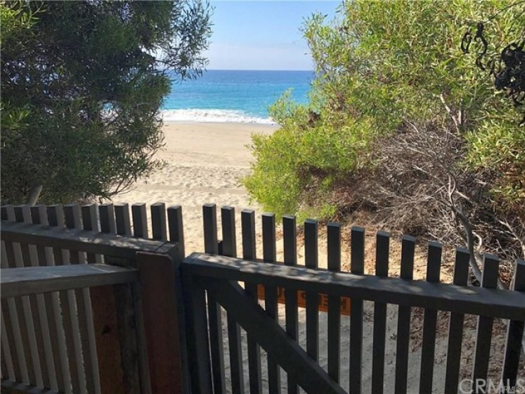 Laguna Royale's private gate access to the beach below