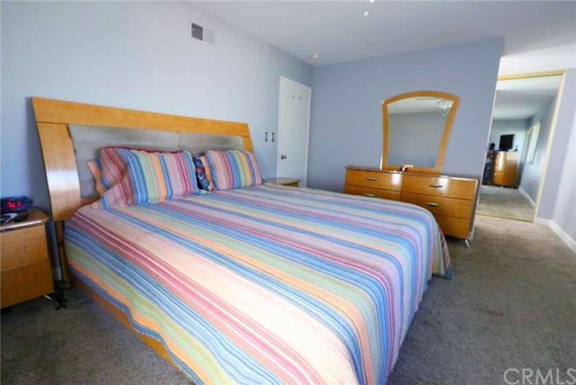 Main bedroom - ample room for the king size bed