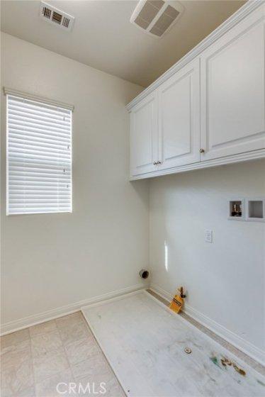 Laundry room 783 Gatun #243