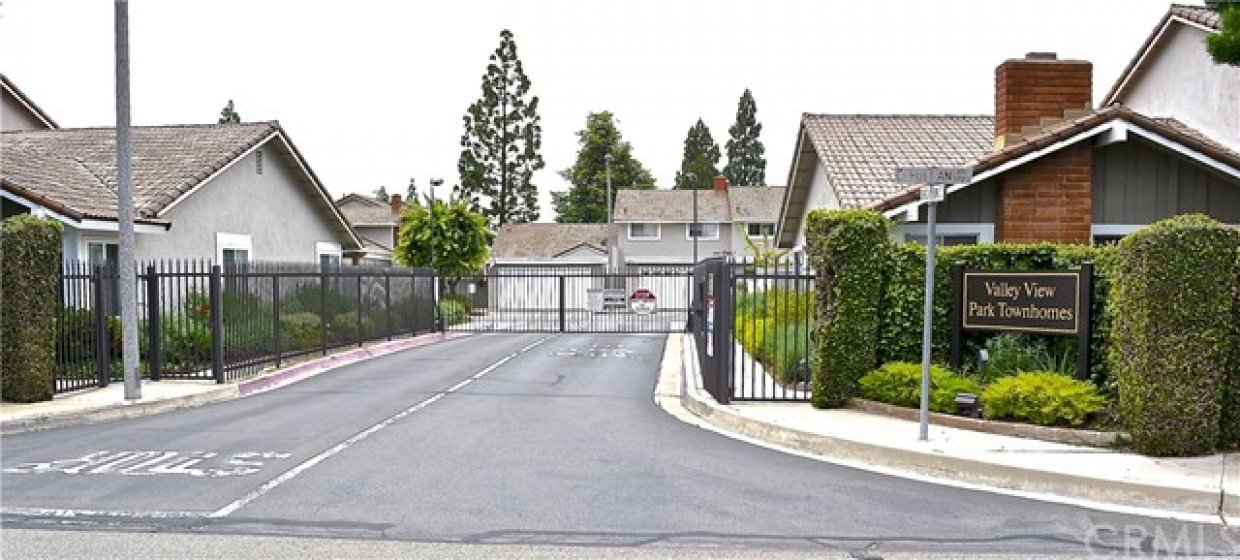Gate entrance from Cerulean Ave.