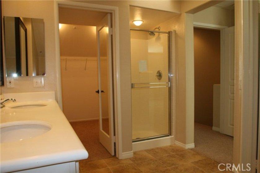 Master Bath & Walk-In Closet