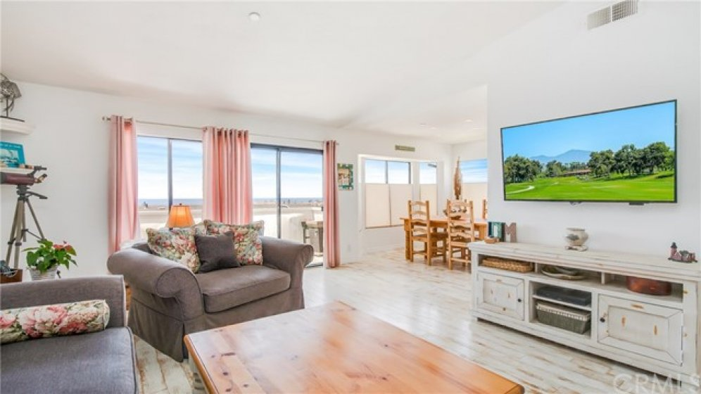 Large, great room with sit down, ocean views.