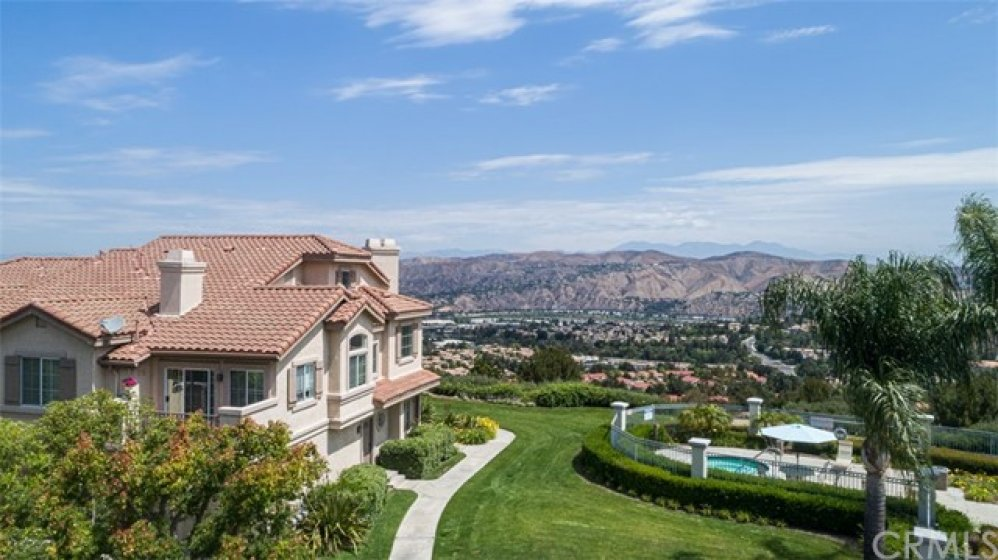 One of the best locations in Viewpointe North!!  Spectacular panoramic views!!!