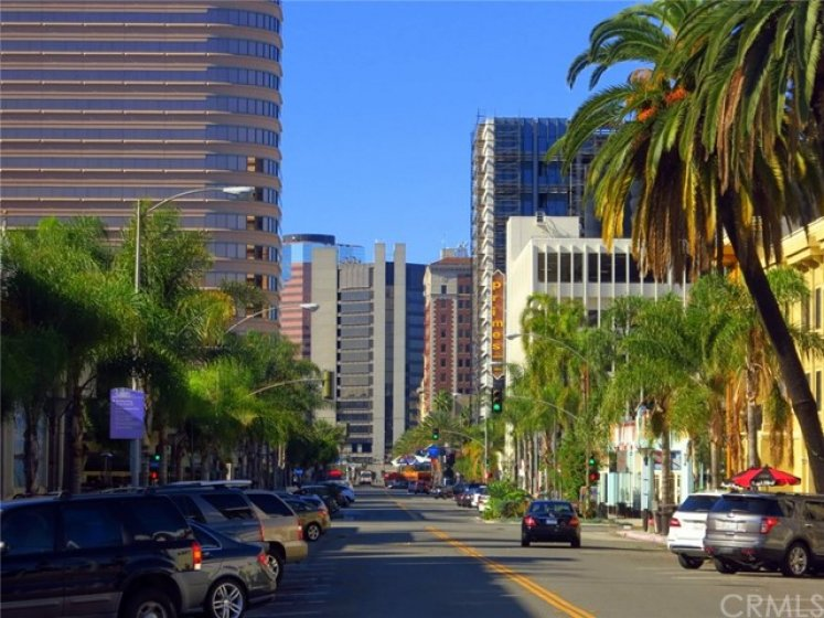 Right in the heart of Downtown Long Beach and offers cafes, restaurants, art galleries and the famous 2nd Saturday Art walks each month