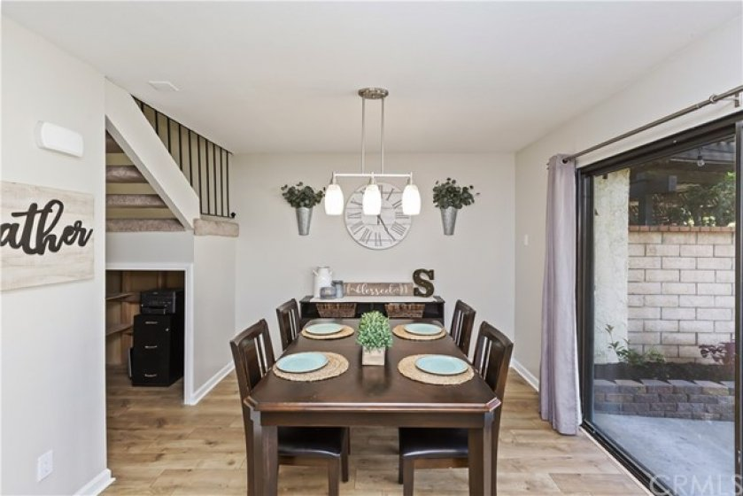 Nice size dining room with lots of natural light!