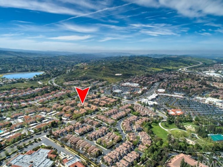 Conveniently located near Lago Santa Margarita, parks, shopping, and the Civic Center
