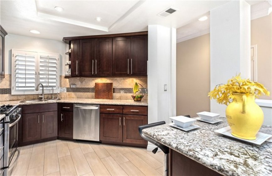 Beautiful kitchen, with lots of working space...