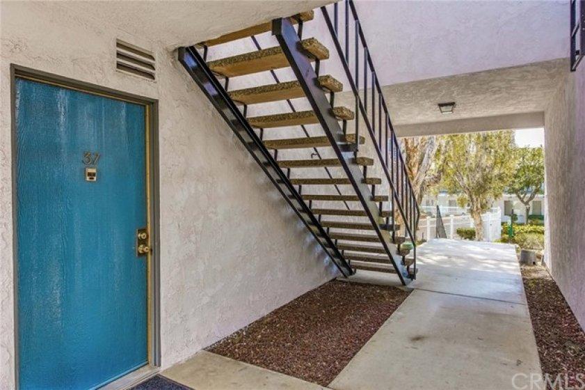 corner unit - 1 neighbor upstairs - one shared wall.