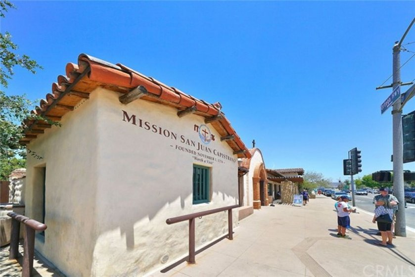 Community amenities feature a sparkling pool & spa, tennis courts and play area. Beautiful parks, playgrounds, bike trails, horse trails, award winning schools & historic downtown San Juan Capistrano with a variety of charming shops & restaurants are all nearby! Less than 3 miles from Dana Point Harbor