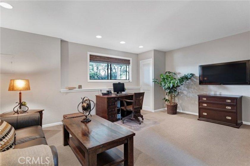 Bonus Room / Office (First floor).