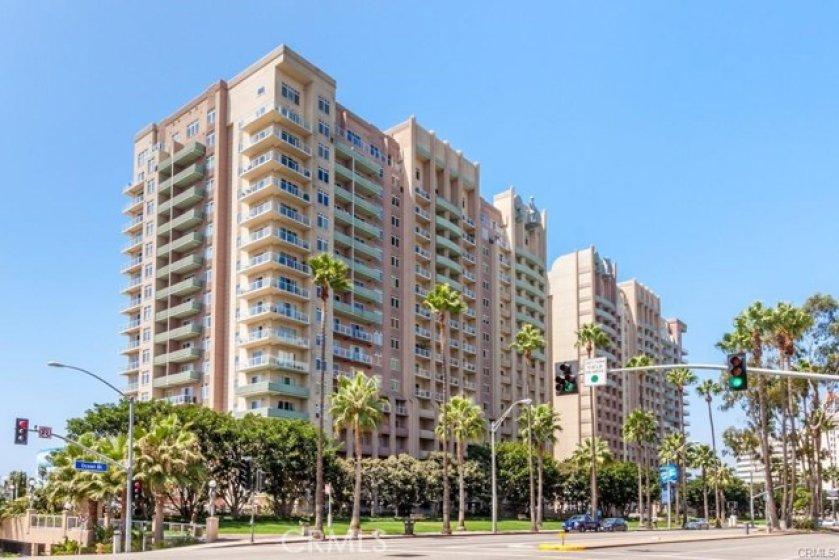 488 E Ocean Blvd -- Building on left