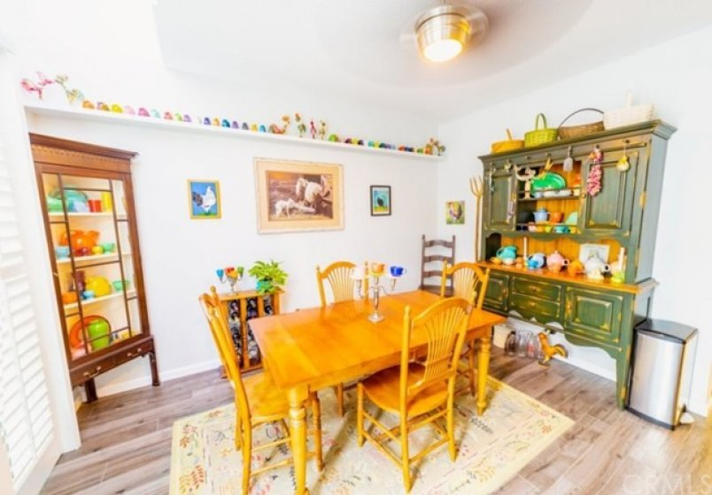 Large Spacious Dining Room, Perfect to Entertain