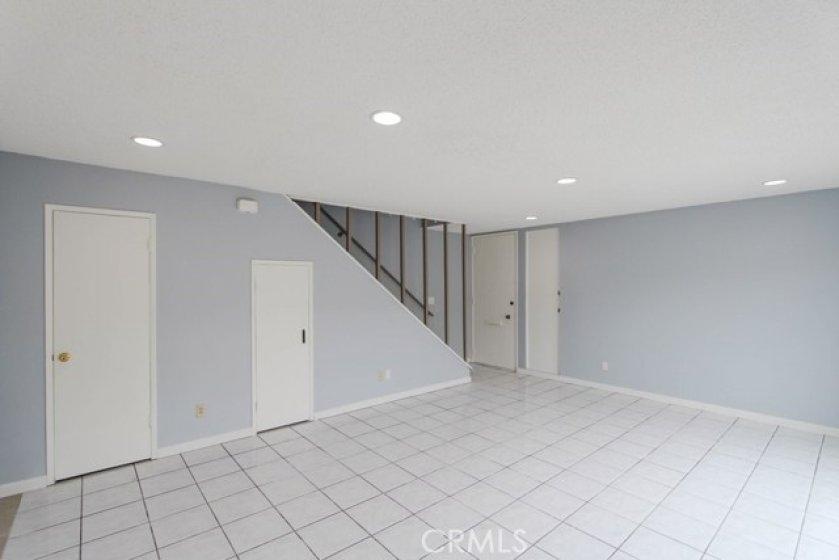 11550TustinVillageWy96Tustin_Livingroom_5