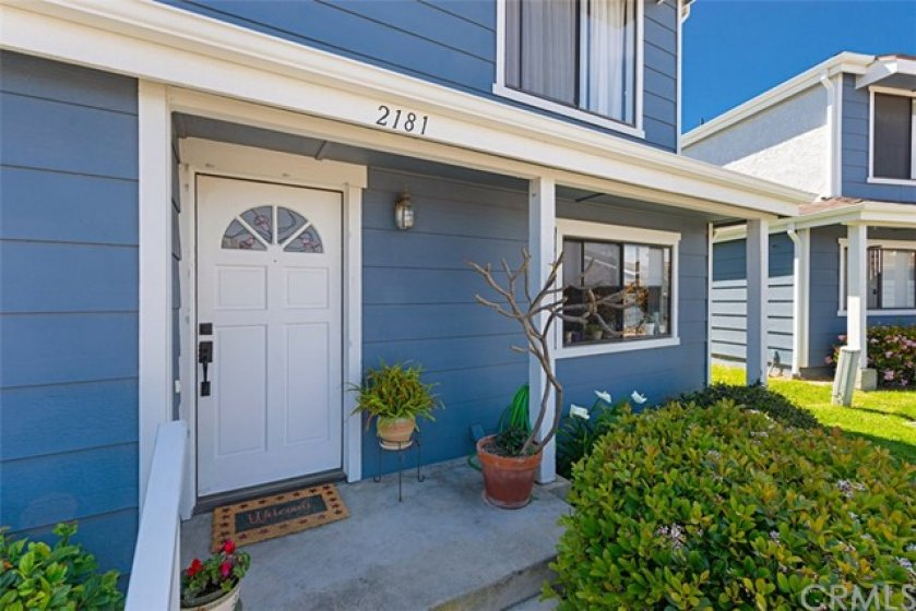Welcome Home!! Ocean Breezes & Beach Close!