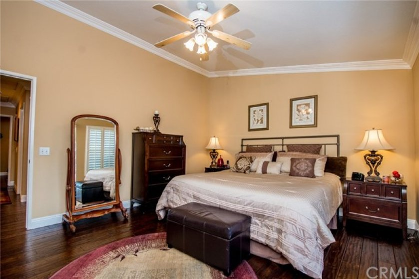 MASTER SUITE WITH BALCONY AND FOREVER VIEW ...