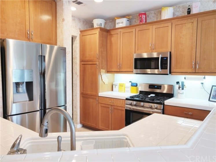 Upgraded cabinets and appliances