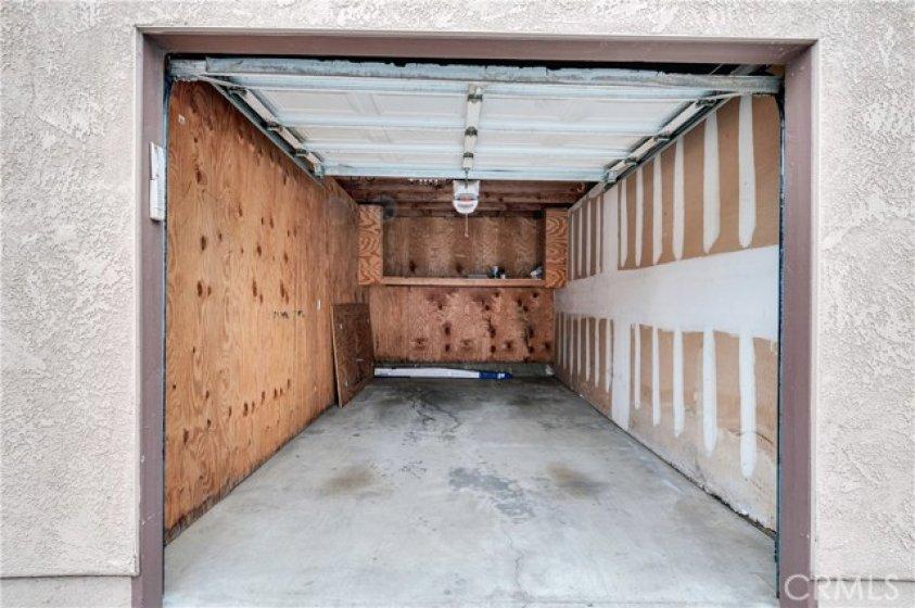 One car garage.