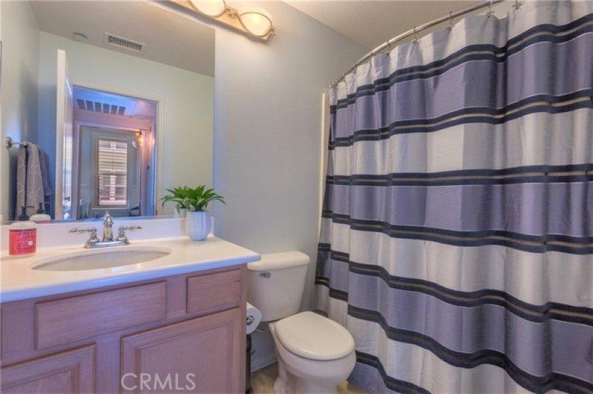 Secondary bathroom.