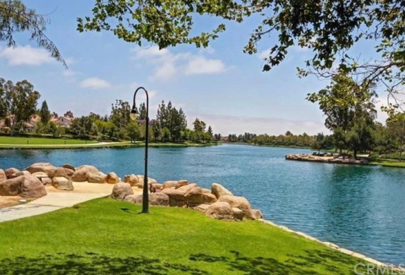 RSM lake features a great walk trail and wonderful restaurants & shopping.