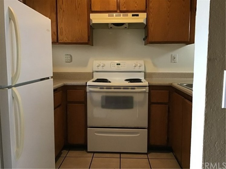 Cozy kitchen, appliances will stay with property.