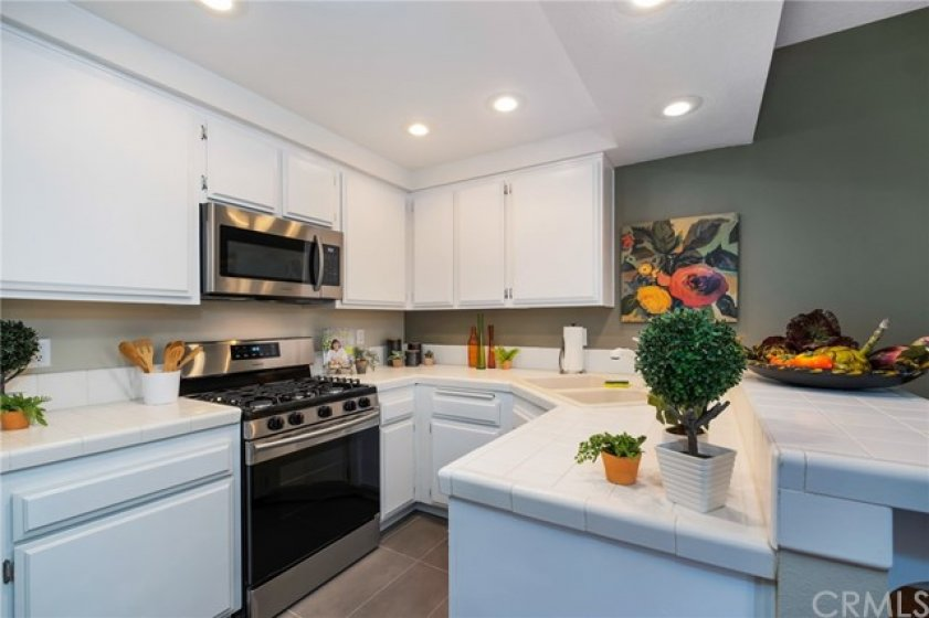 Great kitchen layout makes cooking a breeze