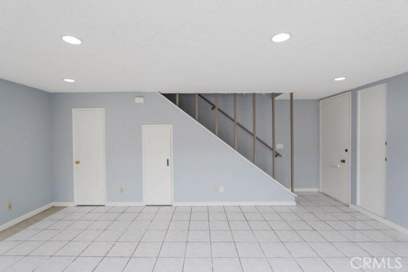 11550TustinVillageWy96Tustin_Livingroom_4