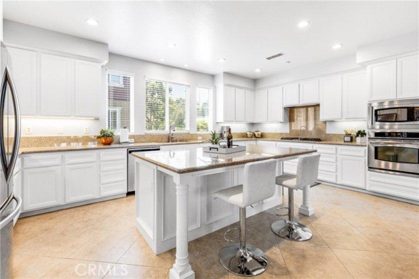 Amazing gourmet kitchen!