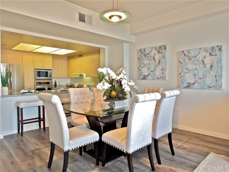Spacious dining area to wow your guests!