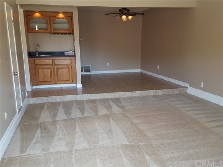 Wet bar and dining area off of living room